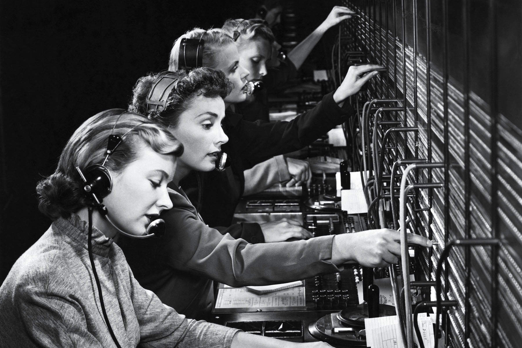 old fashioned call center