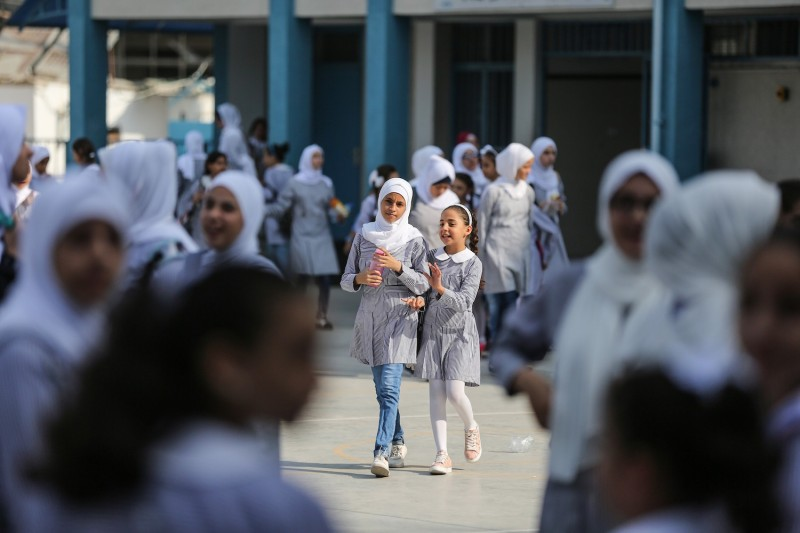 Palestinian students at a school run by the United Nations Relief and Works Agency on Aug. 29. (Mustafa Hassona/Anadolu Agency/Getty Images)