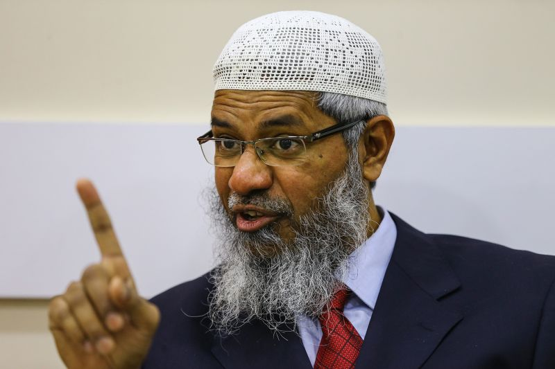 Islamic Research Foundation President Zakir Naik delivers a speech at a conference in Istanbul on March 23, 2017. (Salih Zeki Fazlioglu/Anadolu Agency/Getty Images)