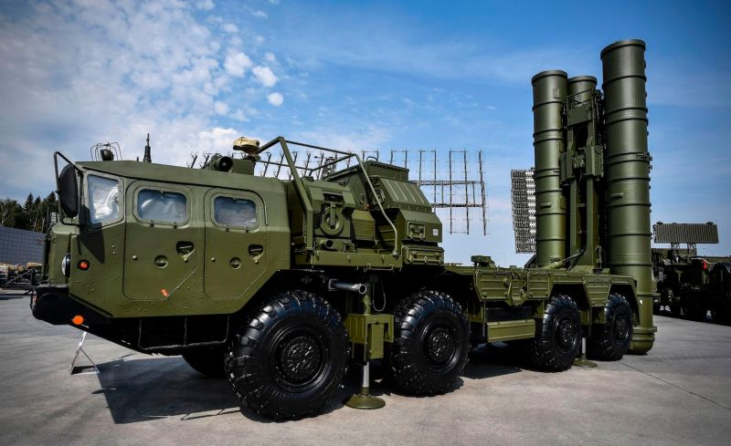 A Russian S-400 anti-aircraft missile system is displayed at the exposition field in Kubinka's Patriot Park outside Moscow on Aug. 22, 2017. (Alexander Nemenov/AFP/Getty Images)