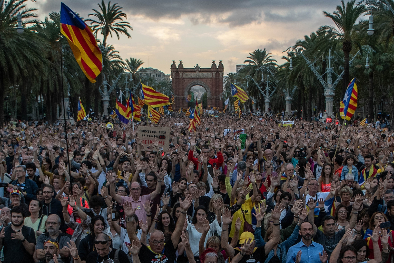 Catalonia's independence supporters march during a demonstration to mark the first anniversary of the independence referendum in Barcelona on Oct. 1. David Ramos/Getty Images