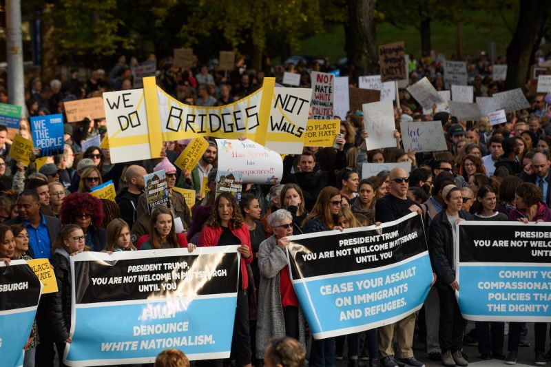 An estimated 4,000 people gather to march for solidarity during President Donald Trump's visit to Pittsburgh in the wake of a mass shooting at a synagogue on Oct. 30. (Jeff Swensen/Getty Images)