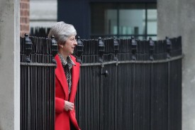 British Prime Minister Theresa May leaves 10 Downing Street in central London on November 16, 2018.