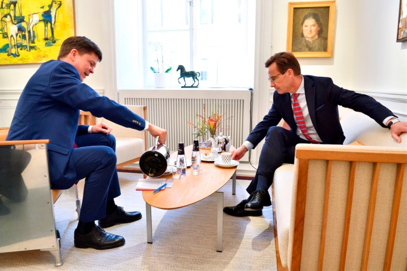 Swedish Speaker of Parliament Andreas Norlen (L) meets with Moderate party leader Ulf Kristersson (R) at the Parliament in Stockholm on September 27, 2018.