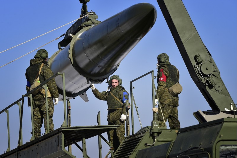 Russian soldiers load an Iskander-M missile launcher during a military exercise at a firing range in Ussuriysk, Russia on Nov. 17, 2016. (Yuri Smityuk/TASS/Getty Images)