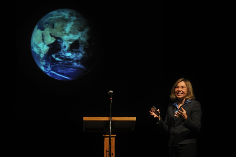 Climate scientist Katharine Hayhoe speaks at Hardin-Simmons University in Abilene, Texas, on April 3, 2012. (Nellie Doneva/Abilene Reporter-News via AP)