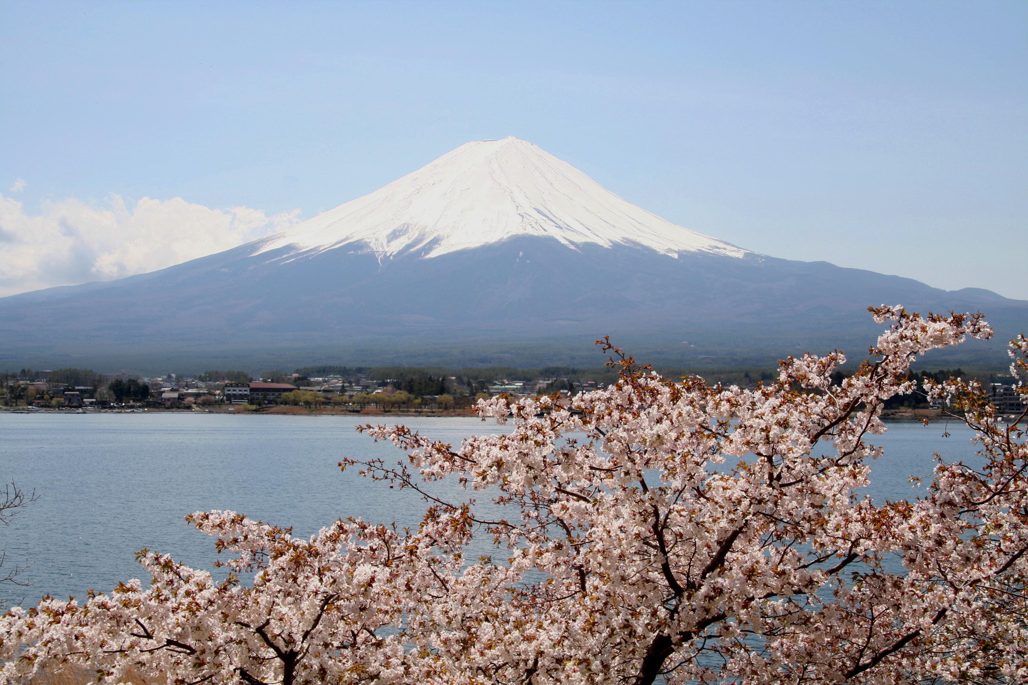 The Fuji Five Lakes surround the famous mountain in southeastern Japan. (Akira Okada/JNTO)