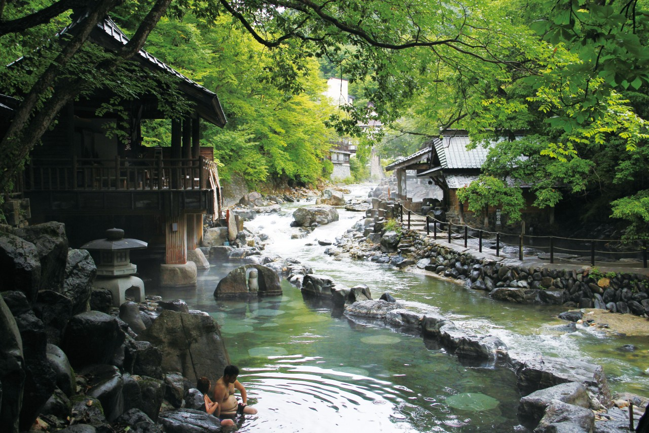 Tanigawa Onsen is a hot spring off ering mountain views from a quiet valley. (JTA/JNTO)