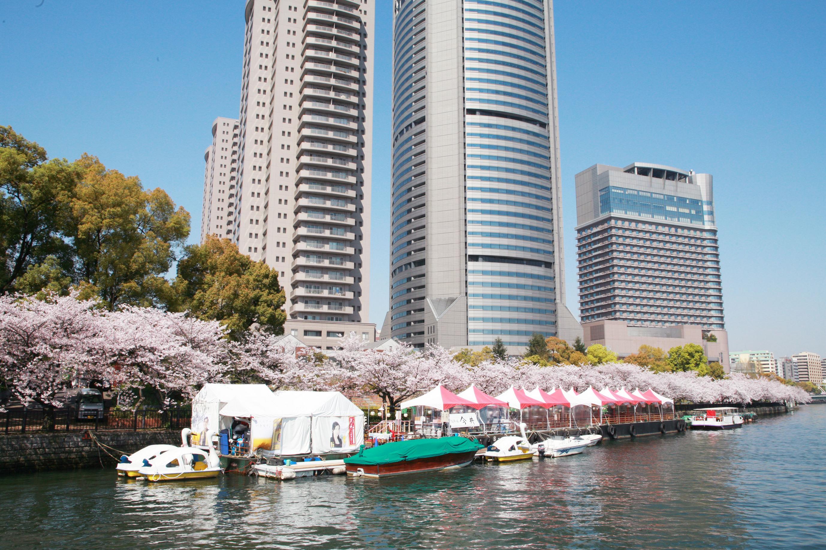 OAP Port is one of Osaka's four main water bus transit ports. OSAKA CONVENTION & TOURISM BUREAU