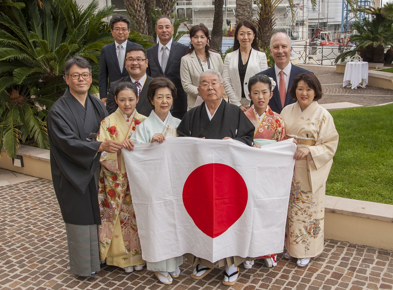 Nobumasa Tsutsui, Founder and Chairman of Tokai Medical Products, surrounded by his family and business colleagues. Photo: Tokai Medical Products
