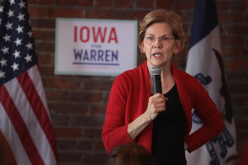 Sen. Elizabeth Warren speaks at a campaign rally at the Stone Cliff Winery on March 1, 2019 in Dubuque, Iowa. (Scott Olson/Getty Images)