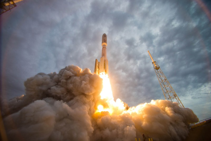 An Atlas 5 rocket carrying the U.S. Navy's second Mobile User Objective System satellite launches at Cape Canaveral Air Force Station in Cape Canaveral, Florida, on July 19, 2013.