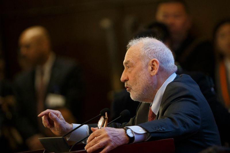 Joseph Stiglitz speaks at the China Development Forum in Beijing on March 24.
