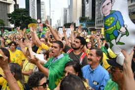 People demonstrate in support of Operation Car Wash and against former President Luiz Inácio Lula da Silva in São Paulo on April 7.