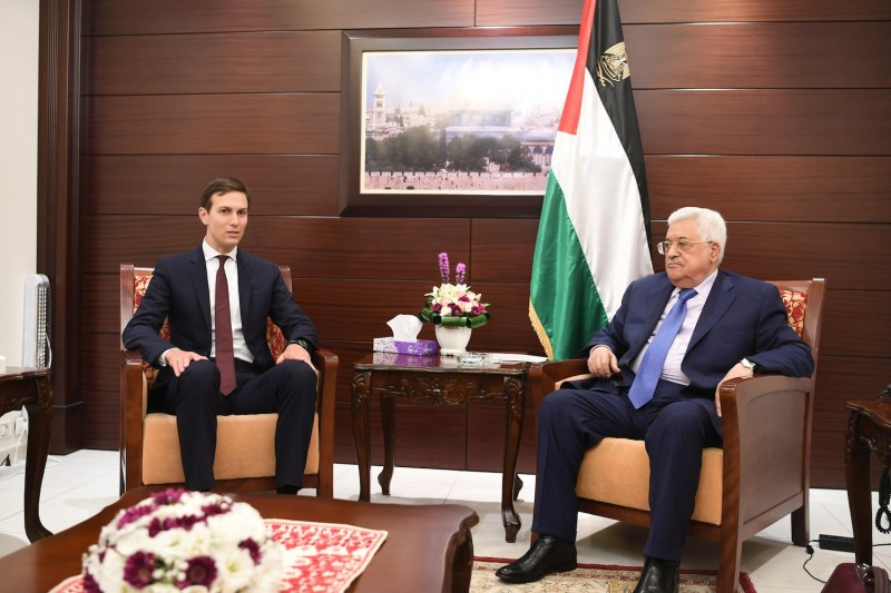 Palestinian President Mahmoud Abbas (R) meets with White House Advisor Jared Kushner (L), on Aug. 24, 2017 in Ramallah.