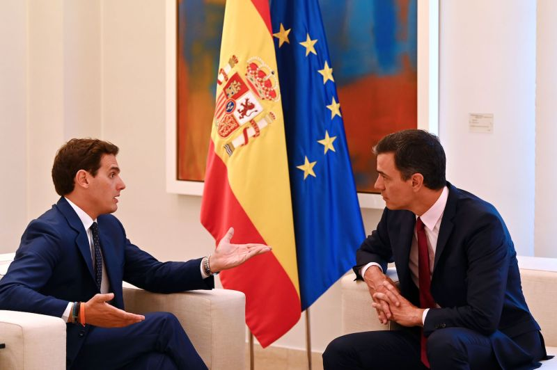 Pedro Sánchez, leader of the Spanish Socialist Workers' Party (PSOE), holds a meeting with the leader of Ciudadanos, Albert Rivera, at La Moncloa Palace in Madrid on May 7.