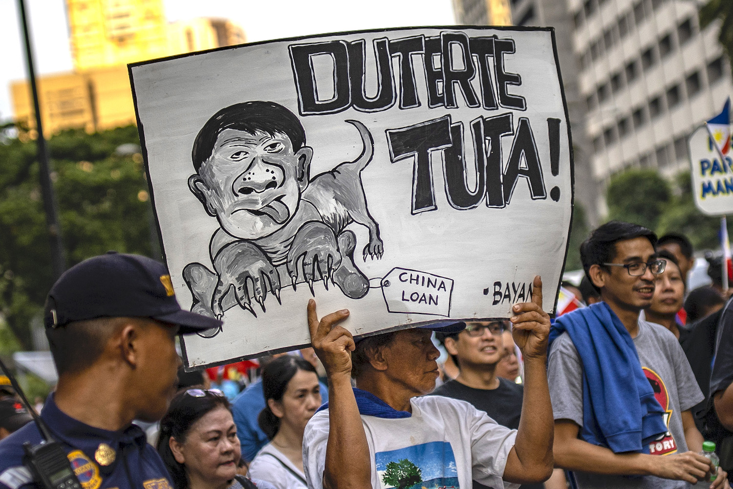 Filipinos Don't Trust Duterte to Handle China – Foreign Policy