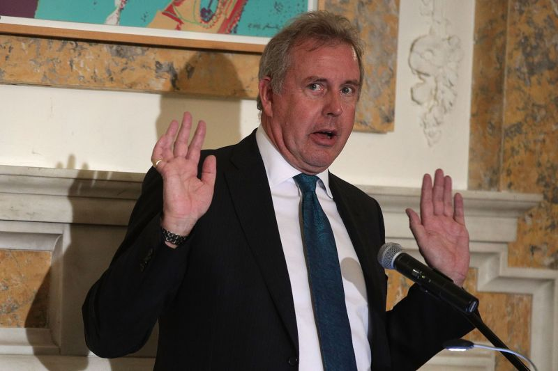 British Ambassador to the U.S. Kim Darroch speaks during an annual dinner of the National Economists Club at the British Embassy October 20, 2017 in Washington, D.C.