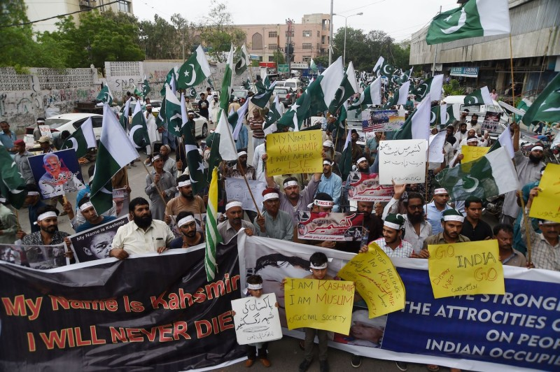 Supporters of the Pakistani militant organisation Jamaat-ud-Dawa (JuD) take part in an anti-India protest rally in Karachi on August 5, 2019, in reaction to the move by India to abolish Kashmir's special status.