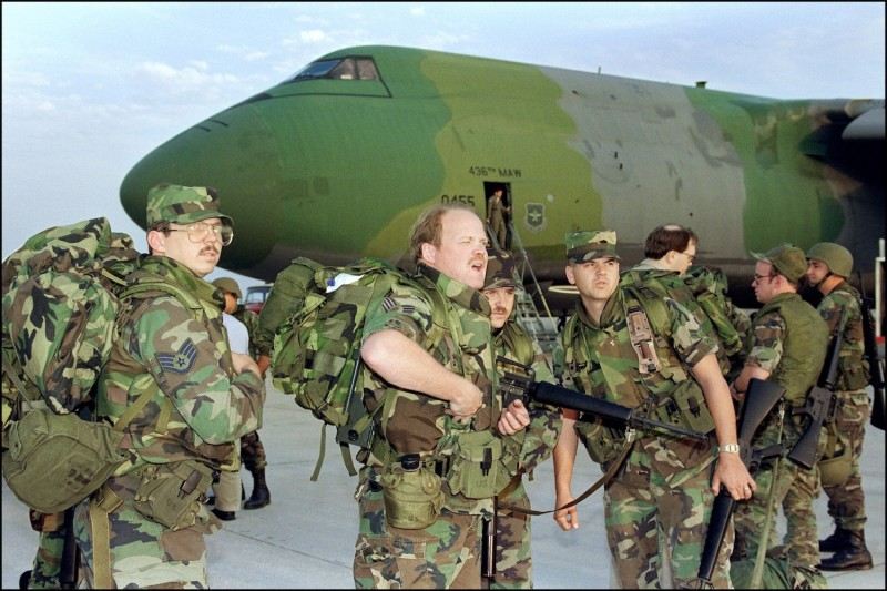 U.S. soldiers arrive at Saudi Arabia's Dhahran air base in 1991.
