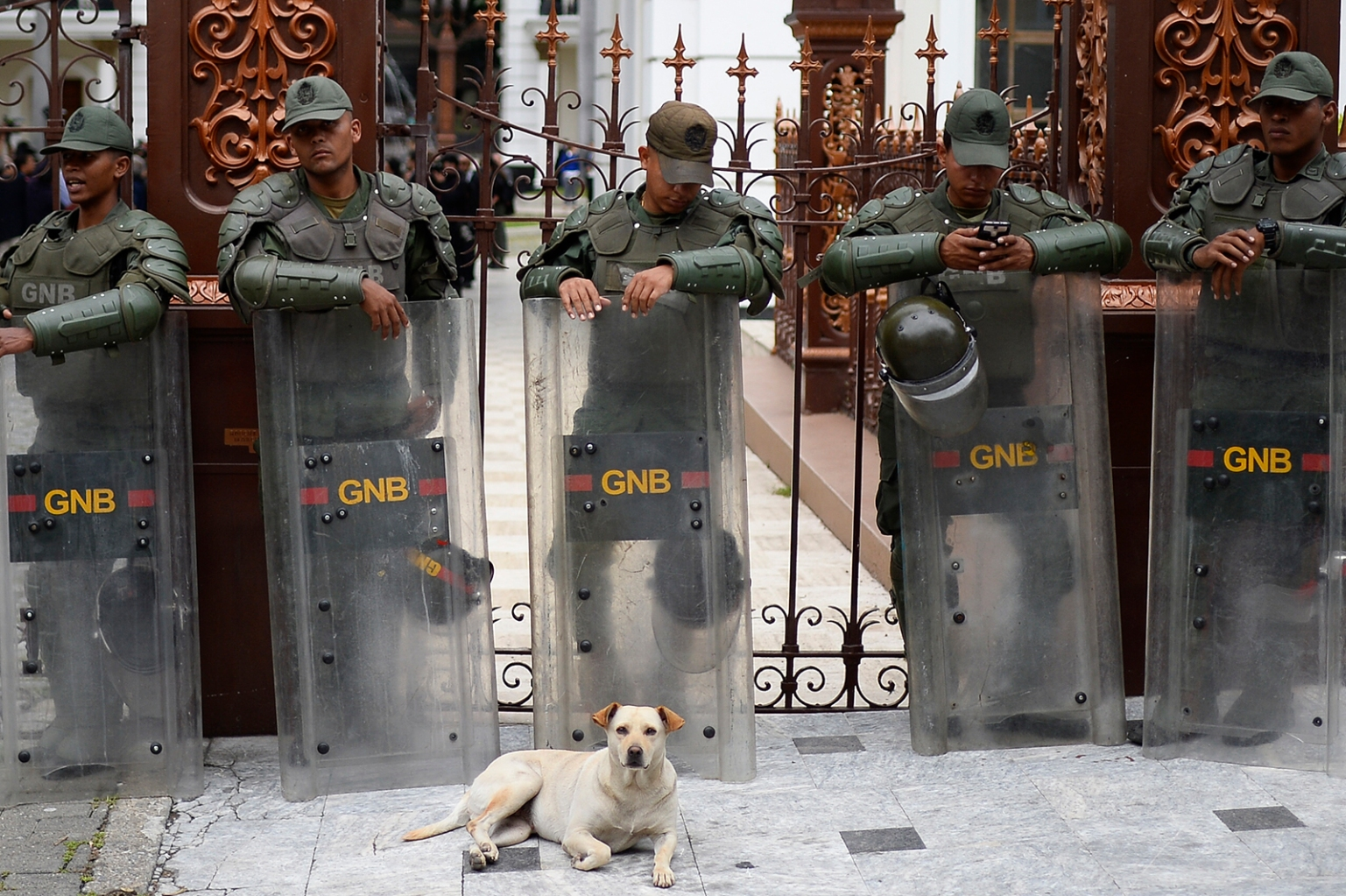 Members of the Venezuelan National Guard stand outside the National Assembly in Caracas on Sept. 24. MATIAS DELACROIX/AFP/Getty Images