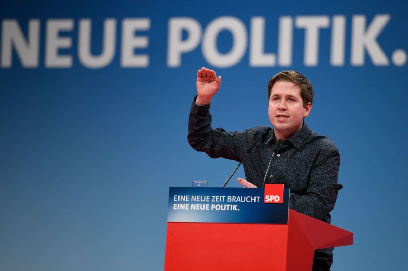 Kevin Kühnert gives a speech during an extraordinary congress of the Social Democratic Party in Bonn on Jan. 21, 2018.