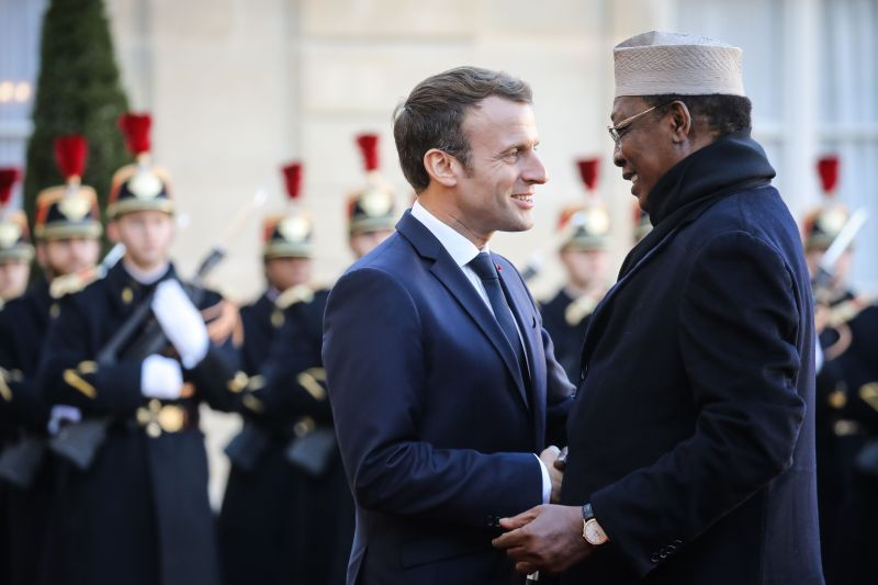 French President Emmanuel Macron welcomes Chadian President Idriss Déby Itno at the Élysée presidential palace in Paris on Nov. 12, 2019.