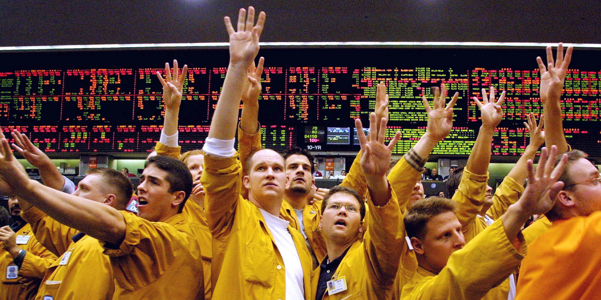 The Eurodollar pit at the Chicago Mercantile Exchange erupts on Dec. 19, 2000, after a Fed annoucement that it saw economic risk tilted toward a downturn rather than toward inflation.