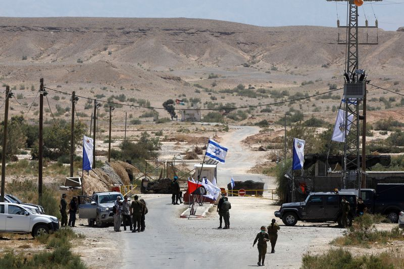 Israeli soldiers on the Israeli-Jordanian border