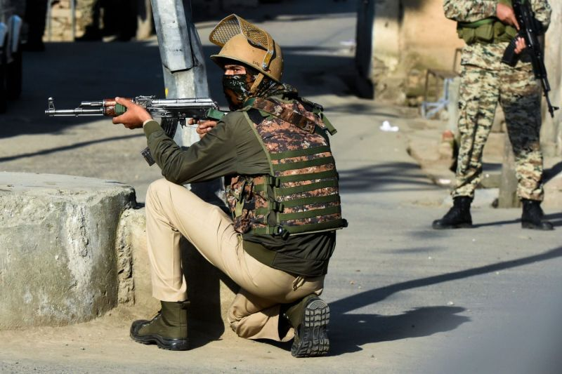 Indian paramilitary soldiers in Srinagar, Jammu and Kashmir