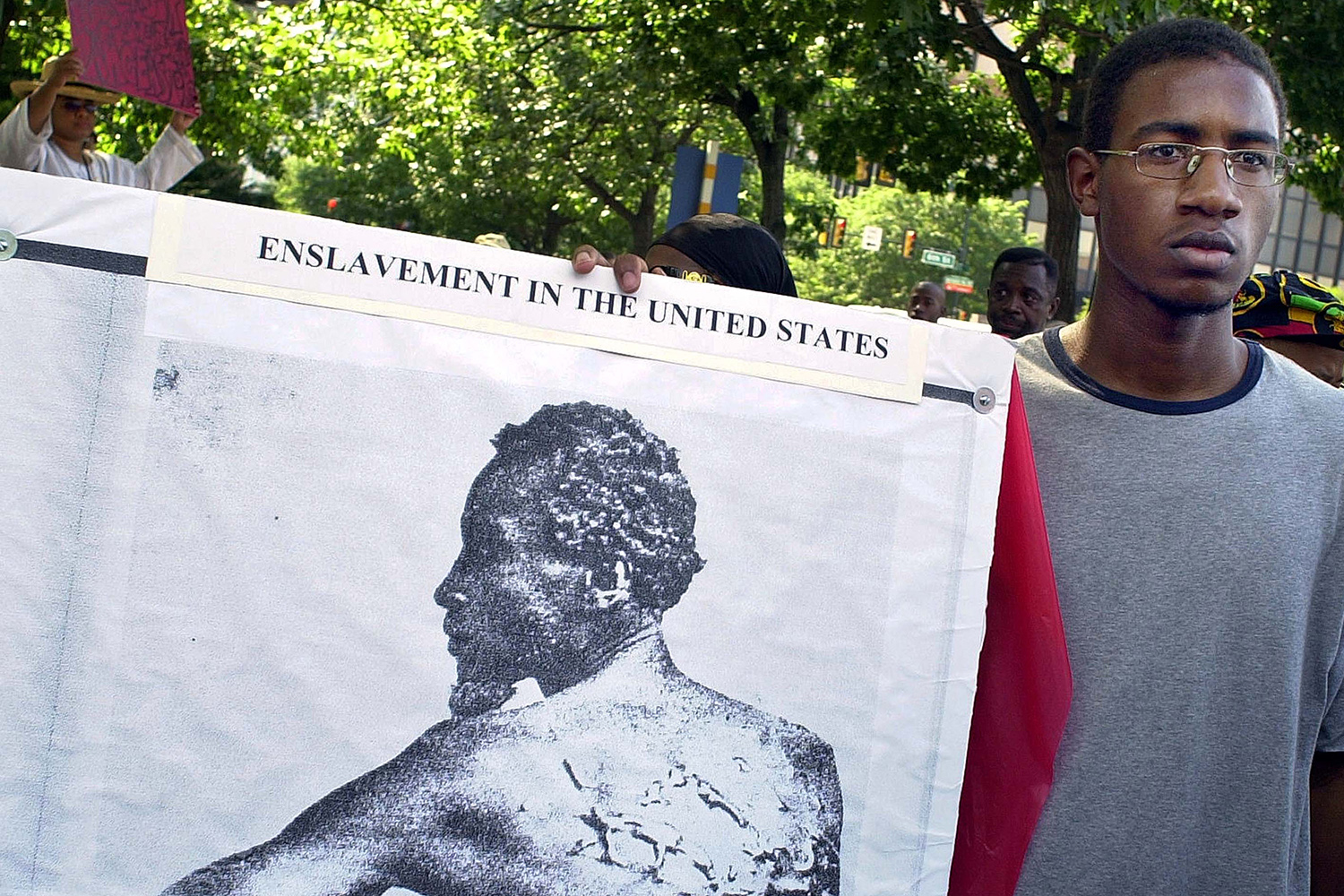 george-washington-slavery-protest-GettyImages-899399.jpg