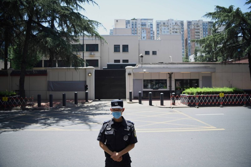 A policeman stands in front of the U.S. Consulate in Chengdu, southwestern China's Sichuan province, on July 27, 2020.