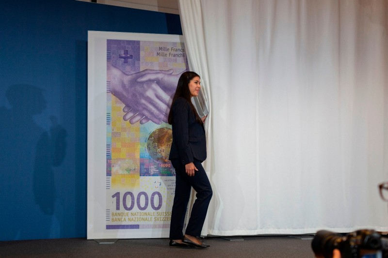 The Swiss National Bank presents the new 1,000-franc note to the press in Zurich on March 5, 2019.