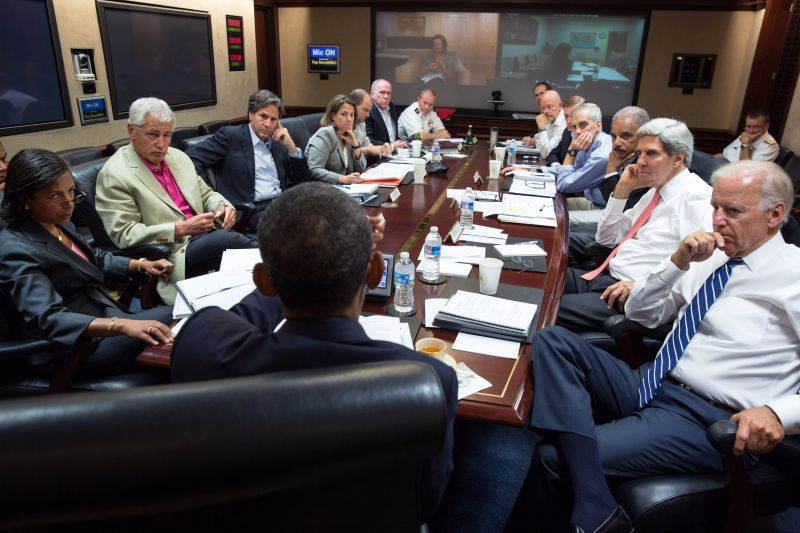 U.S. President Barack Obama meets in the Situation Room with his national security advisors to discuss strategy in Syria of the White House Aug. 31, 2013 in Washington.