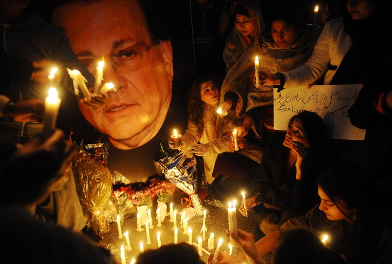 Pakistanis commemorate assassinated governor of Punjab Salman Taseer.