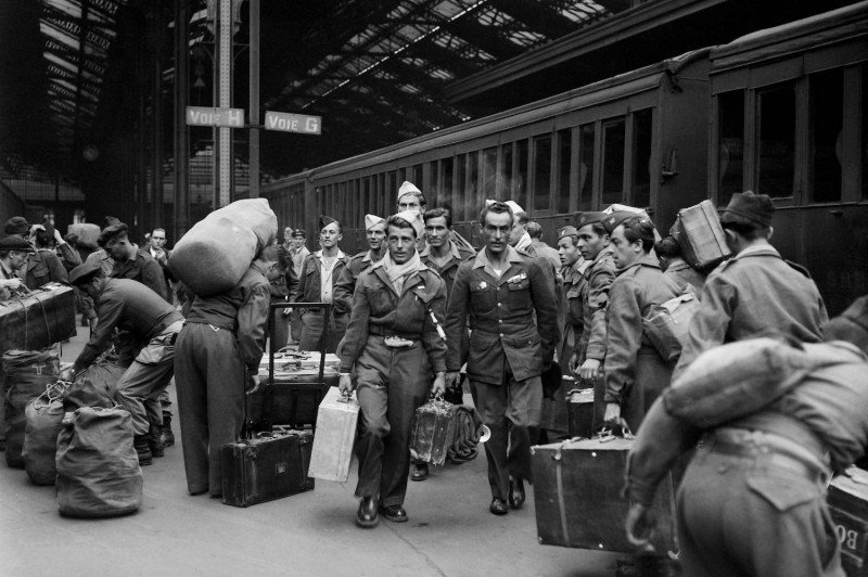 Demobilized French soldiers arrive at the Gare de Lyon on their return from the First Indochina War in Paris, in May 1949.