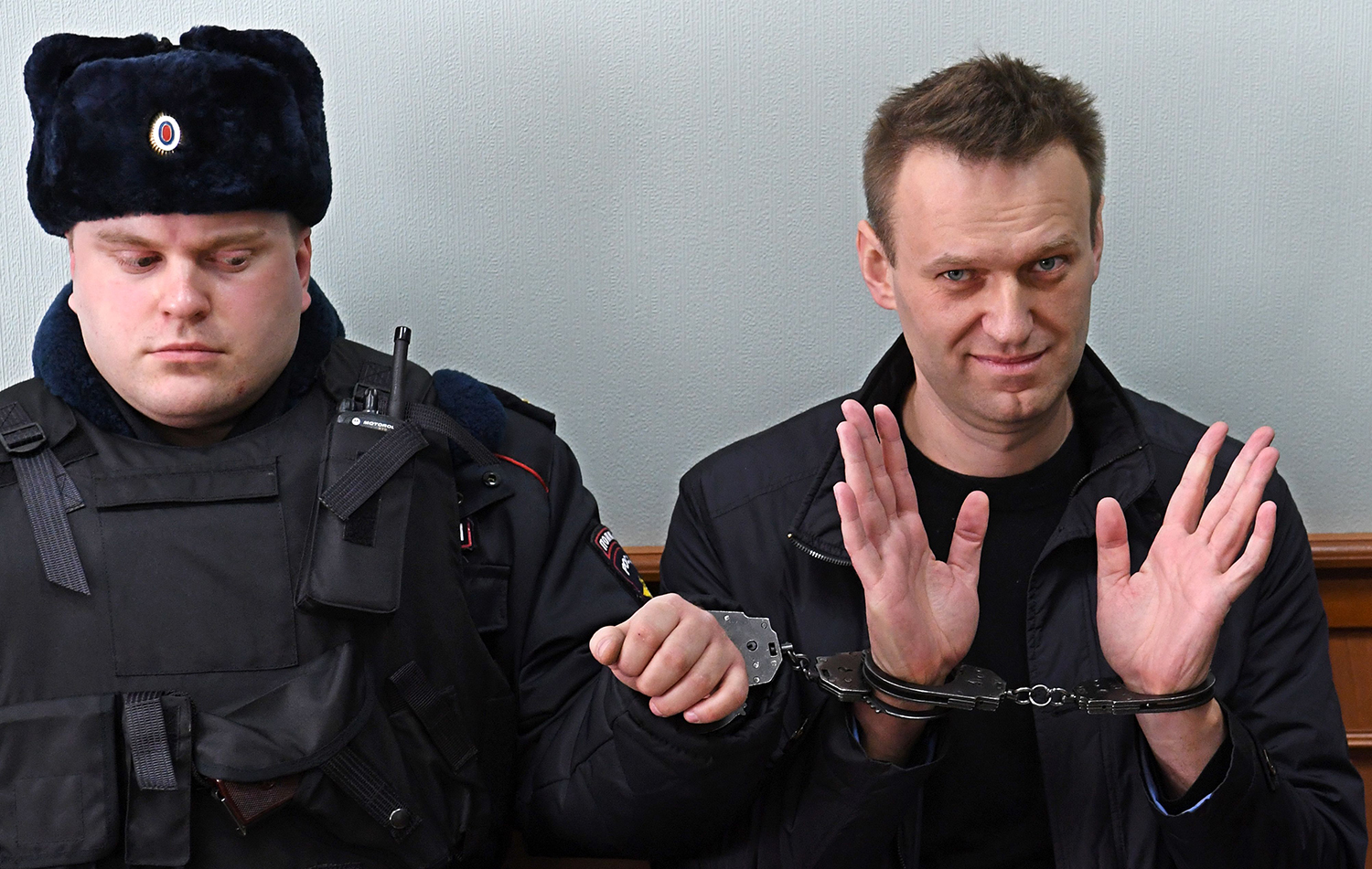 Alexei Navalny in handcuffs during a hearing in moscow in 2017.