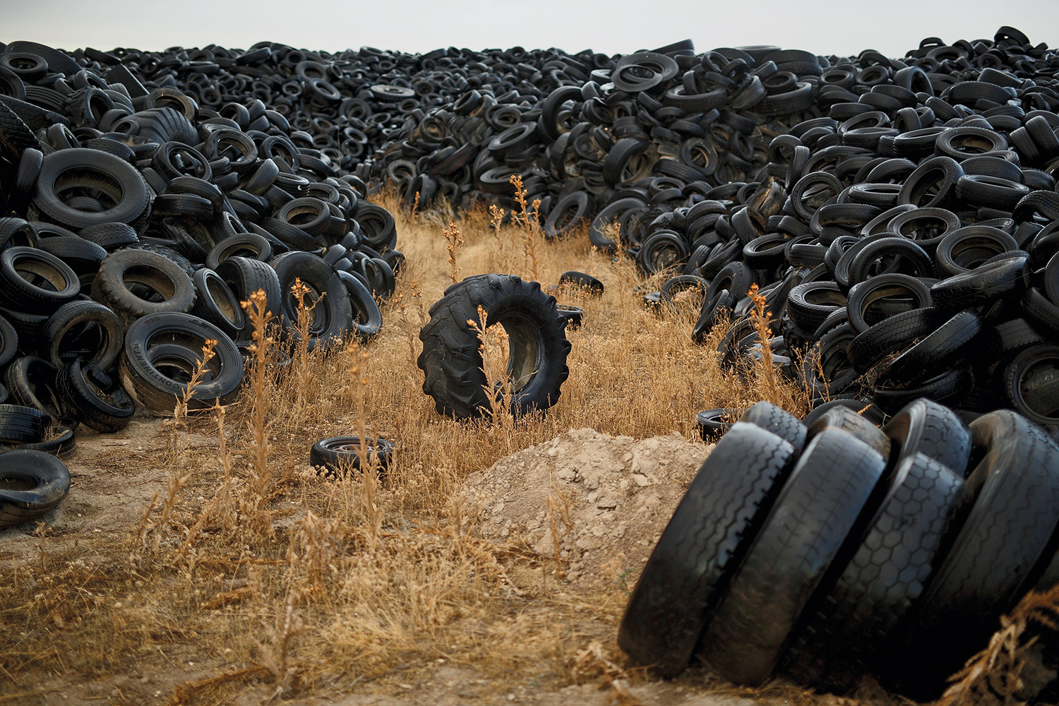 A mountain of tires in the Spanish countryside near Madrid on Sept. 24, 2014.