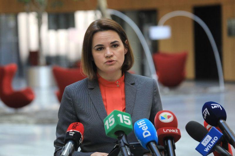 Belarusian opposition leader Svetlana Tikhanovskaya speaks to journalists.