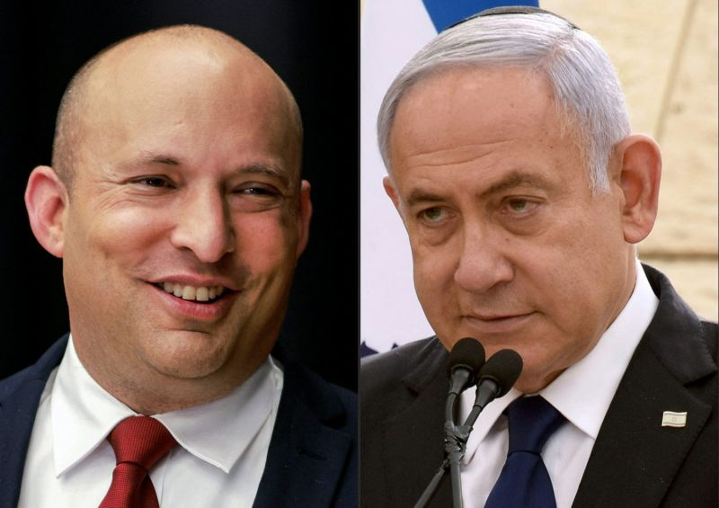 Naftali Bennett (left) of the Yamina party, and Israeli Prime Minister Benjamin Netanyahu of the Likud party