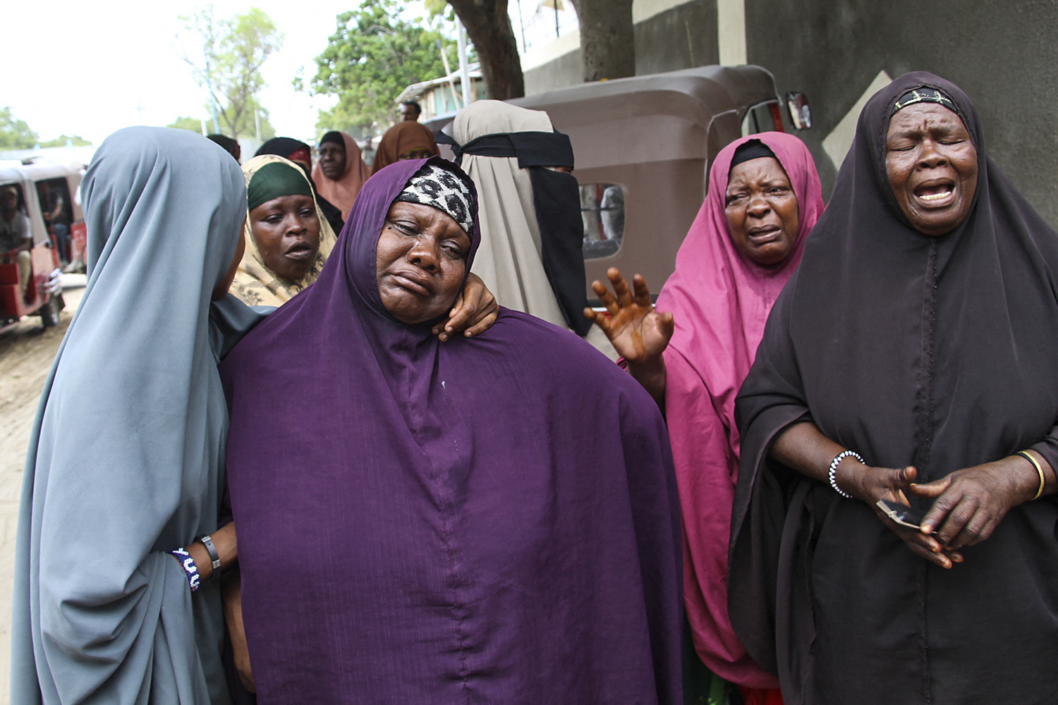 Women cry after bombing in Somalia