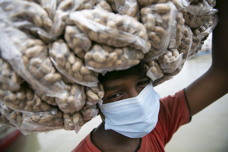 Peanut vendor in Bangladesh