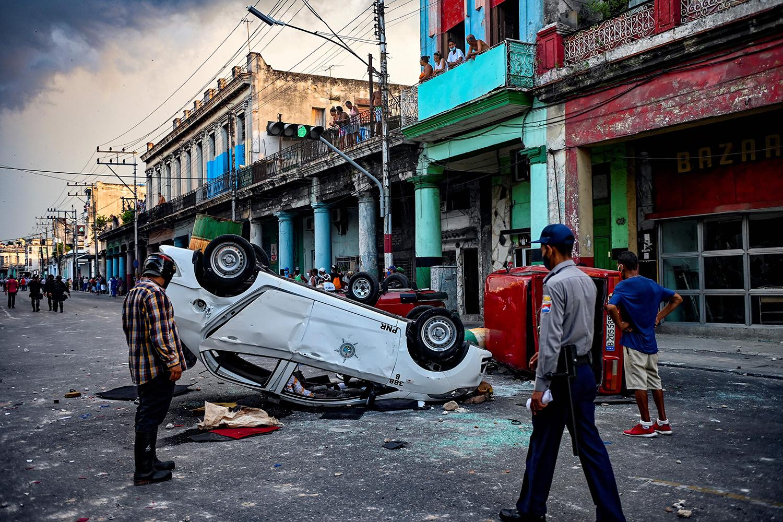 Police car overturned in Havana, Cuba