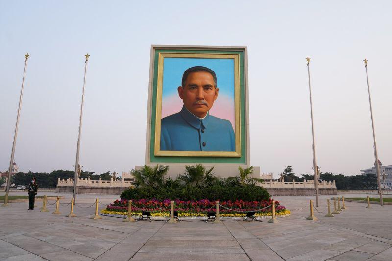A portrait of Sun Yat-sen at Tiananmen Square