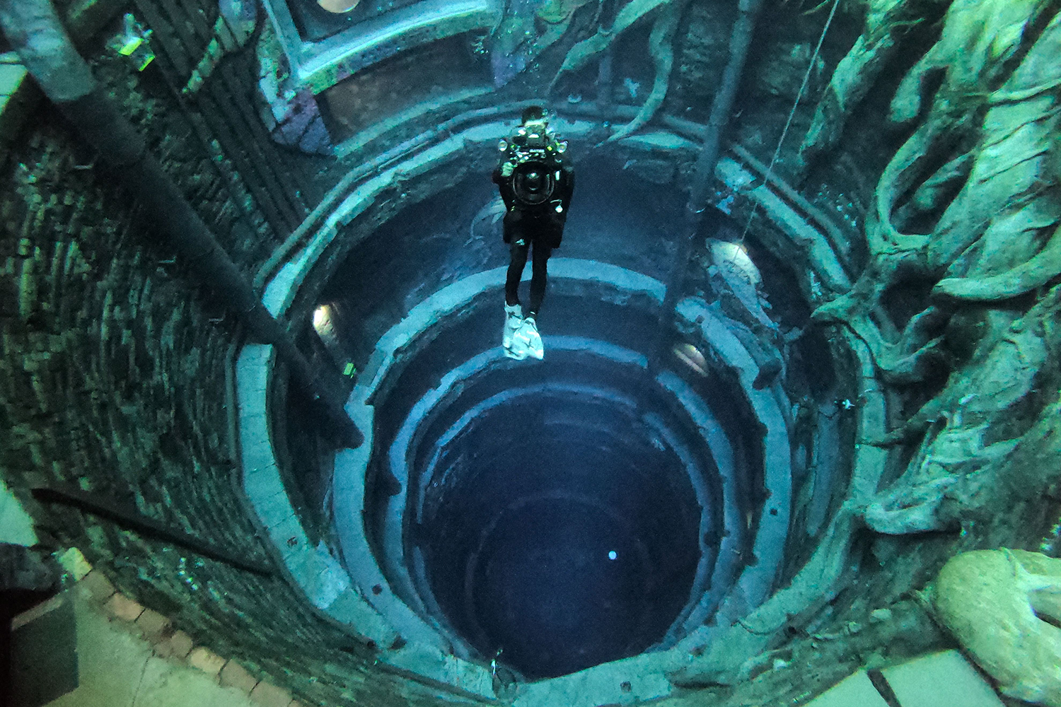 Deepest swimming pool in the world in Dubai