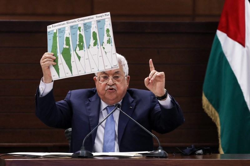Abbas shows maps of Palestine