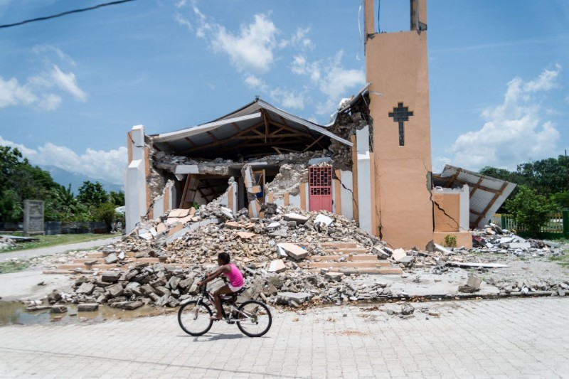 The Church of St. Anne is completely destroyed.
