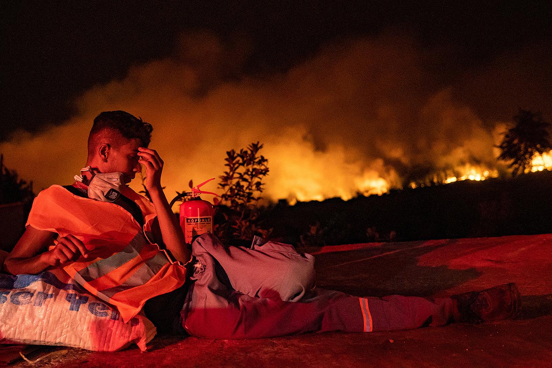 Firefighter rests in Turkey