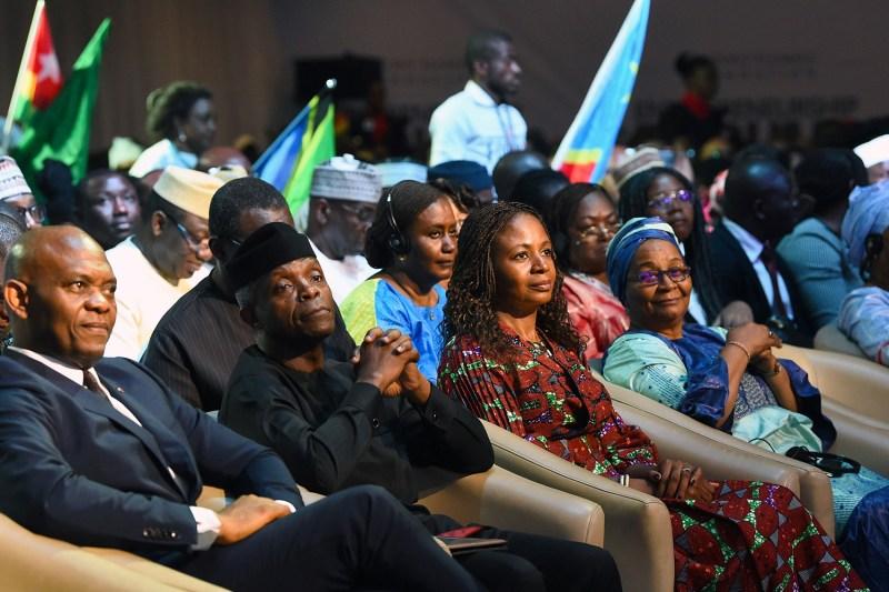 African leaders attend an entrepreneurship forum.