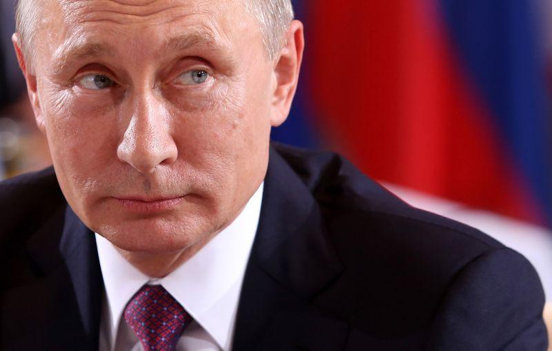Russian President Vladimir Putin is at German Chancellery.